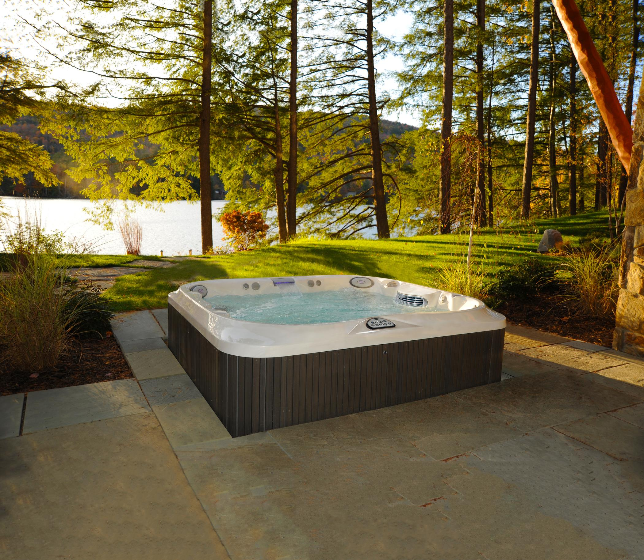Five Tips for Buying a Hot Tub in Saskatoon
